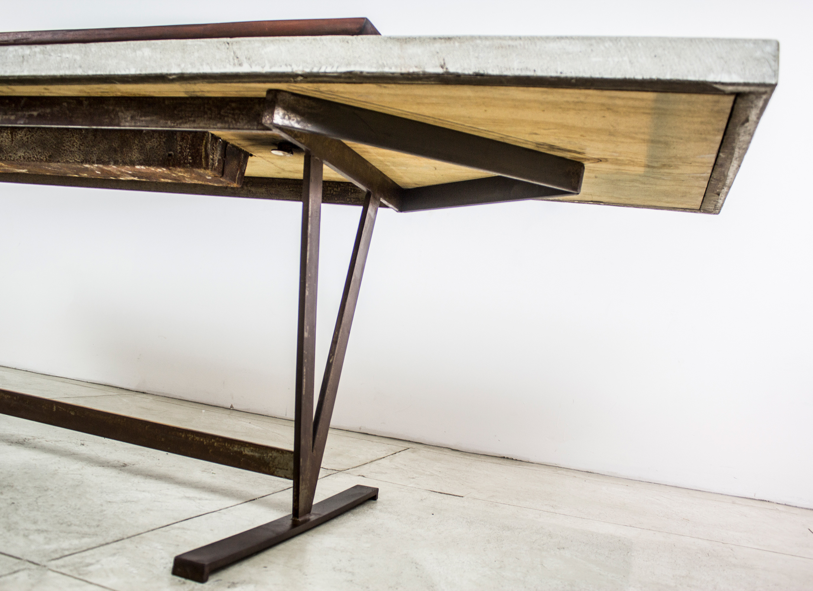 """""""12 guests garden table"""" - Metal base concrete top, electrical fixture and broken china - 28""""x108""""x29"""" - © Flavio Bisciotti"""